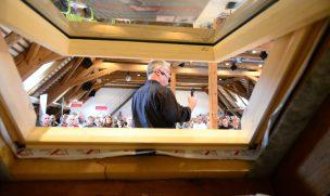 Die Profischulung Dach-Praxis vermittelt Verarbeitern, Planern und Energieberatern den aktuellen Stand der Technik bei Dachsanierungen. 2016 ist das Team durch sechs deutsche Städte getourt (Foto: MOLL pro clima © 2016)