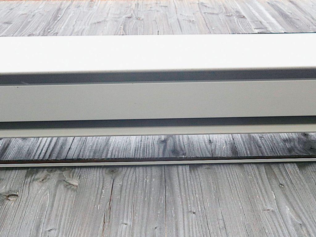 Intakte Plattenschmalseite als Fassadenkonstruktion
