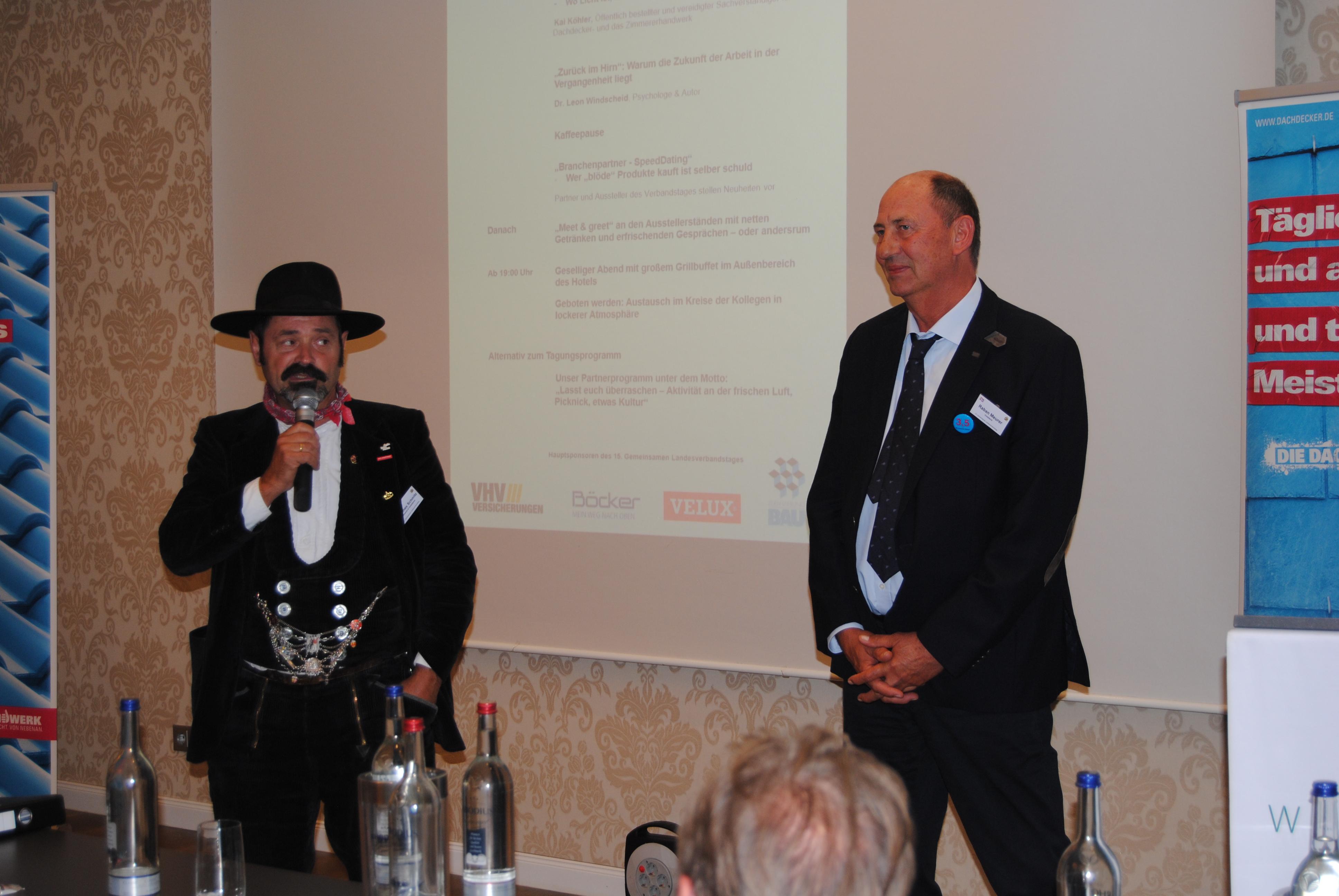 Johannes Schmitz und Raban Meurer beim Grußwort