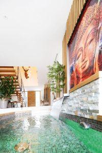 Kunstvoller Brunnen im Haus