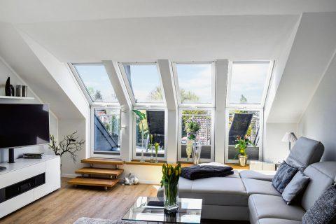 Fenster und Balkon in einem