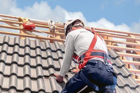 Auf Dächern sicher arbeiten