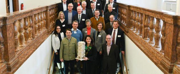 Michaela Kaniber kündigt bayerische Holzbauinitiative an